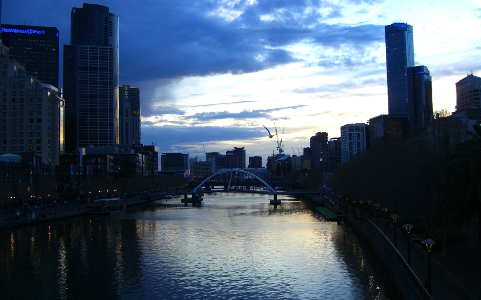 Moods of Melbourne: Yarra River at dusk